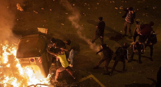 اعتراضات در بارسلونا ادامه دارد