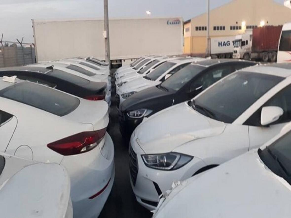 ترخیص خودرو های وارداتی قیمت ها را می شکند؟